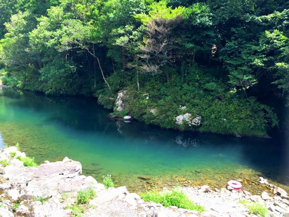 三原村、川